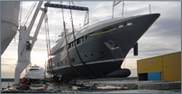 Yacht 250t – lifting